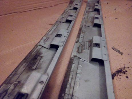 Накладка направляющей сдвижной двери справа/слева средняя A6386900508, A6386980330, A6386980230, A6386900408
