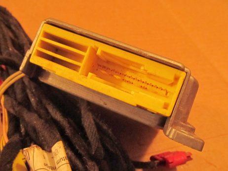Блок управления AirBag (подушками безопасности, провода в комплекте) a0004460042 a0285001477