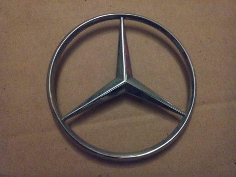 Эмблема Mercedes Vito на ляду