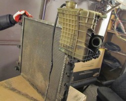 Радиатор охлаждения 2.2CDI A6385012701